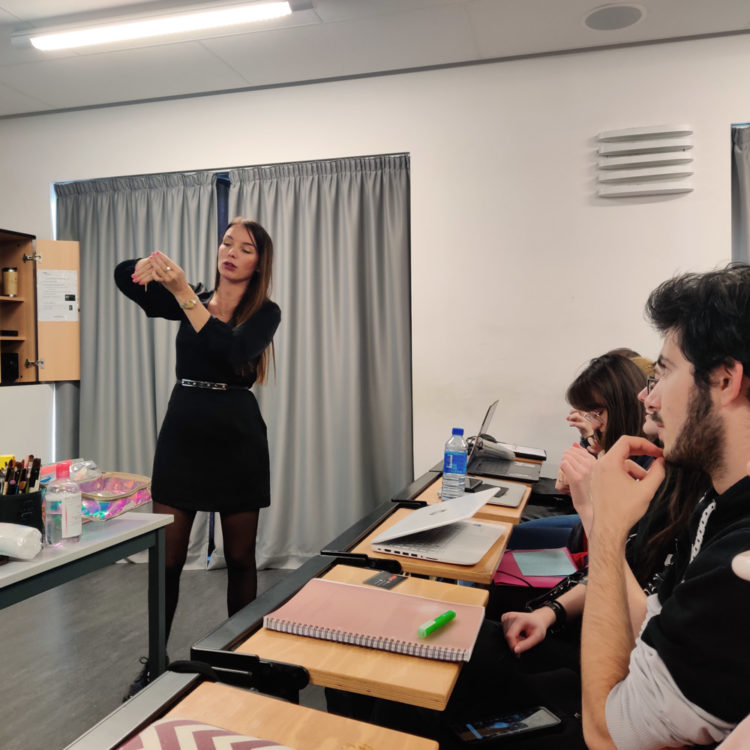 Christelle Lays, une maquilleuse professionnelle à la rencontre des étudiants de Cinécréatis.